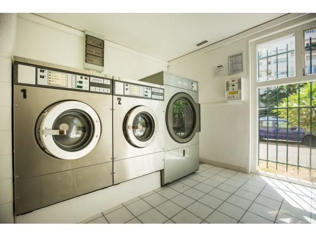 Une laverie sur place